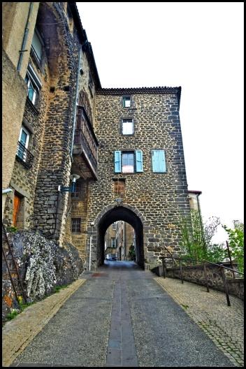 Reste des remparts de Saint-Flour